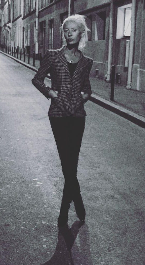 Wendy James on a dusky street